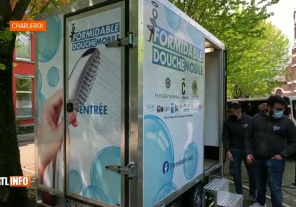Une douche mobile à Charleroi pour permettre aux sans-abris de se laver
