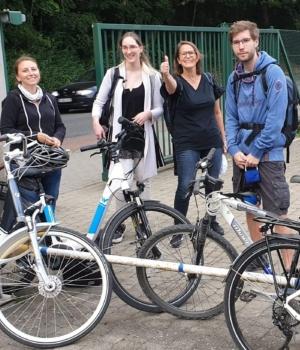 Stéphanie est devenue une adepte du vélo …. grâce à ses collègues !