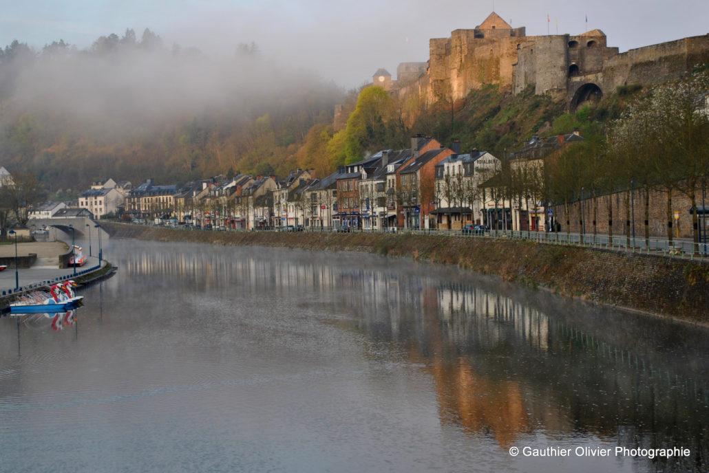 Vue-sur-le-château-depuis-le-pont-de-Liège