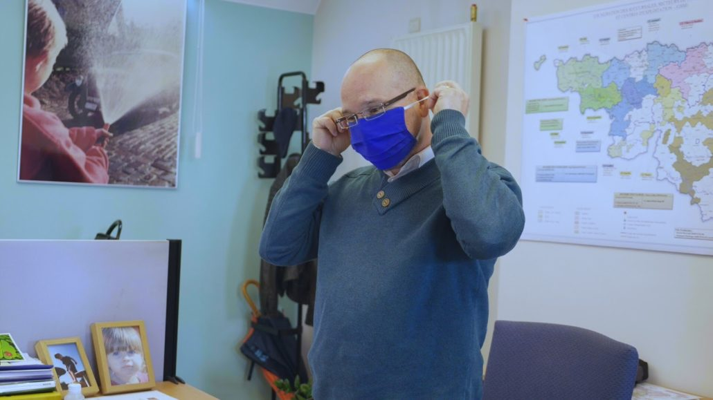 Steve-Corman-replace-son-masque